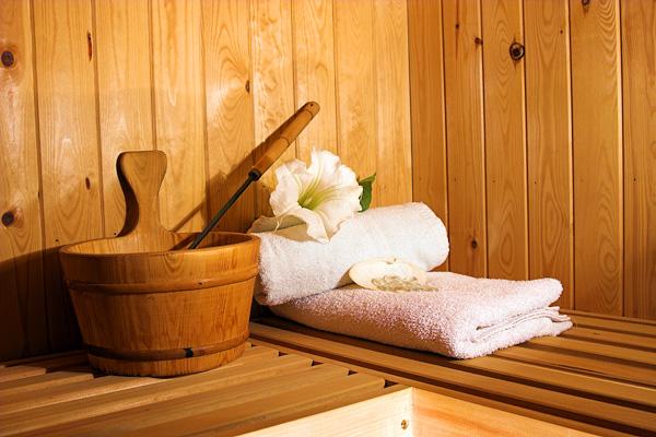 Luuso della sauna finlandese non incluso nel prezzo il - Costo sauna in casa ...